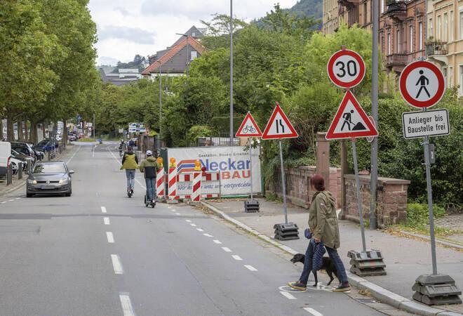 Heidelberg:  Neckarstaden-Baustelle blockiert Gehweg
