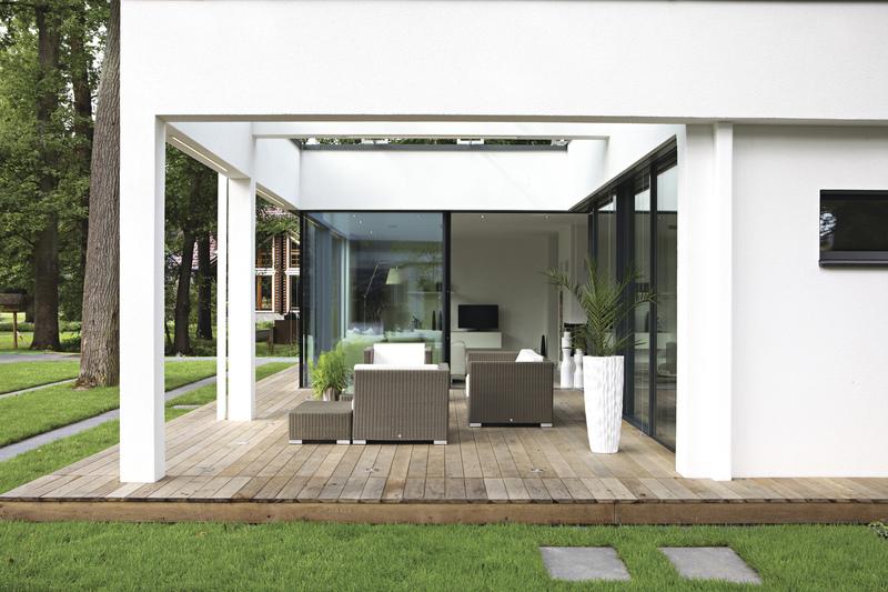 gro z gig wohnen auf einer ebene der bungalow erlebt ein comeback haus garten rhein. Black Bedroom Furniture Sets. Home Design Ideas