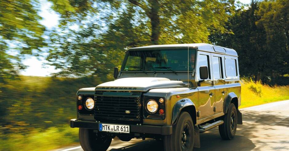 land rover defender ein dino tritt ab mobilit t rhein. Black Bedroom Furniture Sets. Home Design Ideas