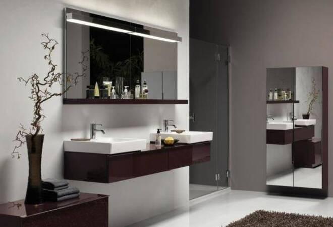 viel glas und gro e fliesen einrichtungstipps f r das. Black Bedroom Furniture Sets. Home Design Ideas