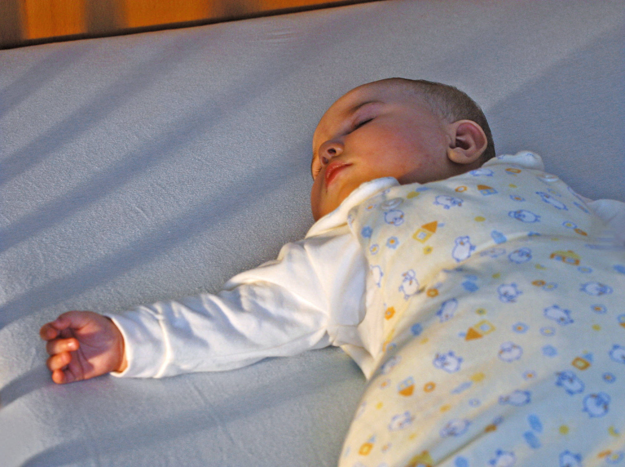 langeweile hilft babys beim einschlafen familienzeit. Black Bedroom Furniture Sets. Home Design Ideas