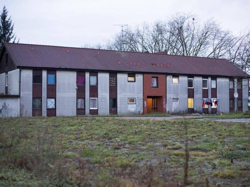 pariser angreifer war asylbewerber in deutschland inland. Black Bedroom Furniture Sets. Home Design Ideas