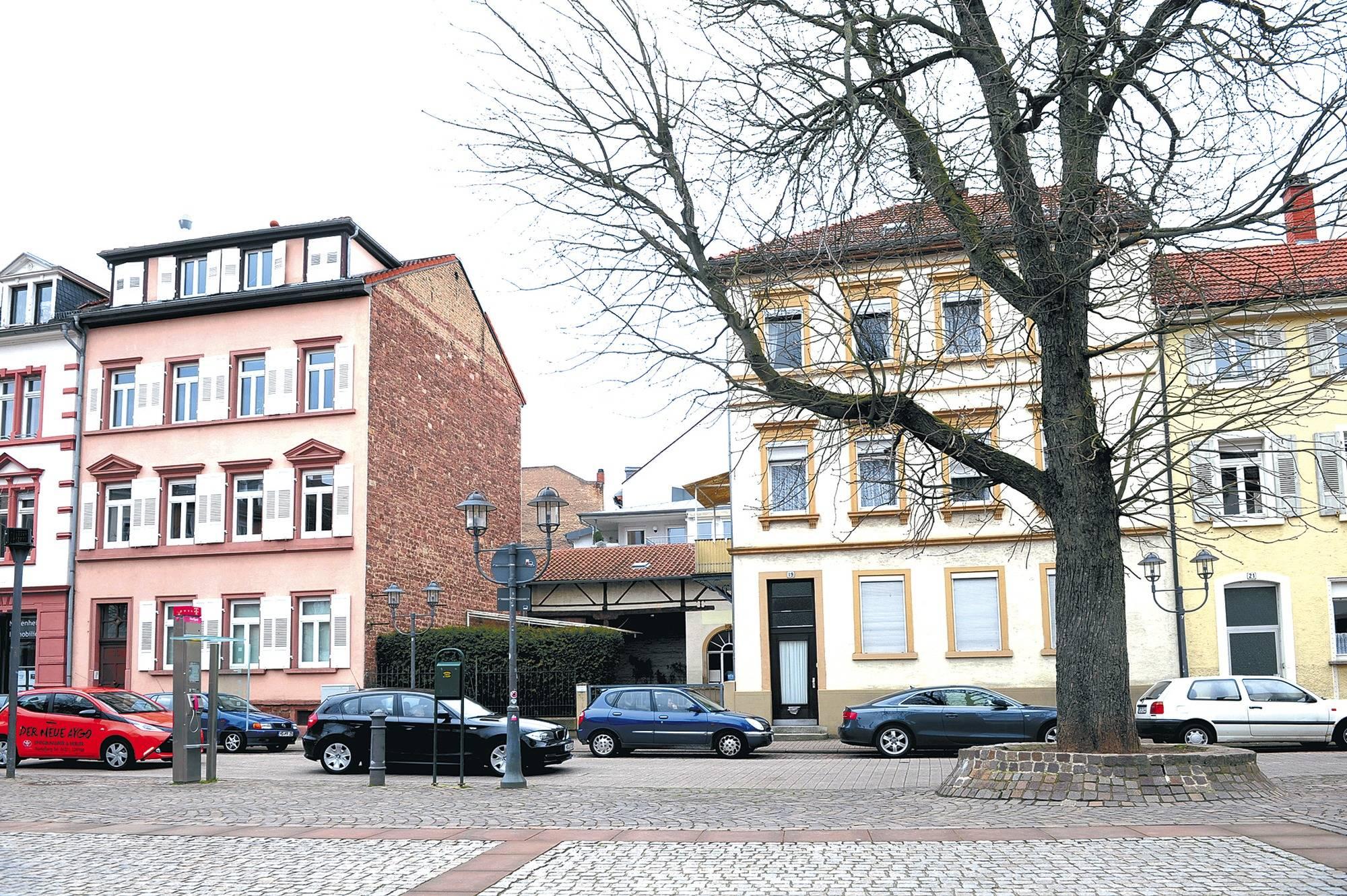 hotelneubau in neuenheim ist der charakter des marktplatzes in gefahr nachrichten aus. Black Bedroom Furniture Sets. Home Design Ideas