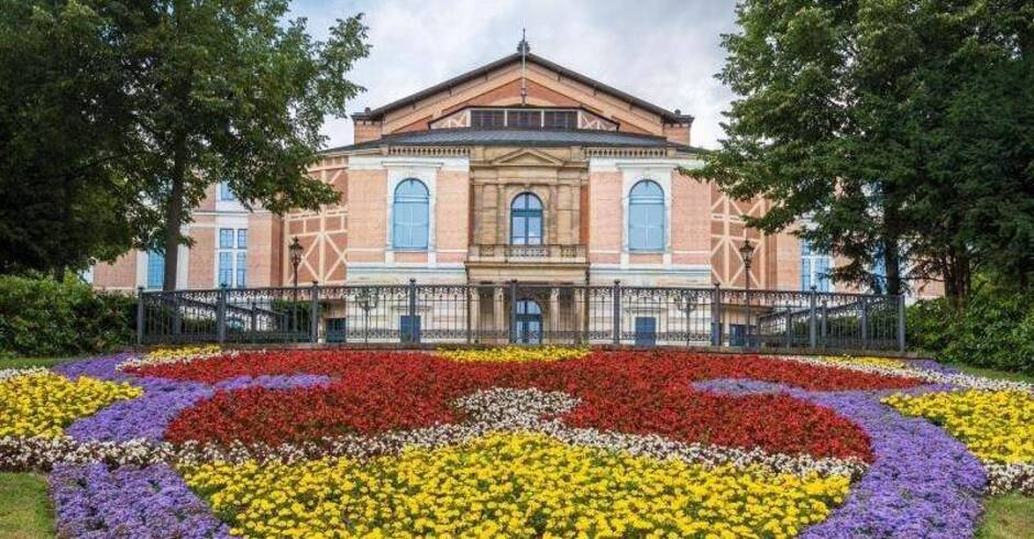Kein roter Teppich in Bayreuth  auch Staatsempfang