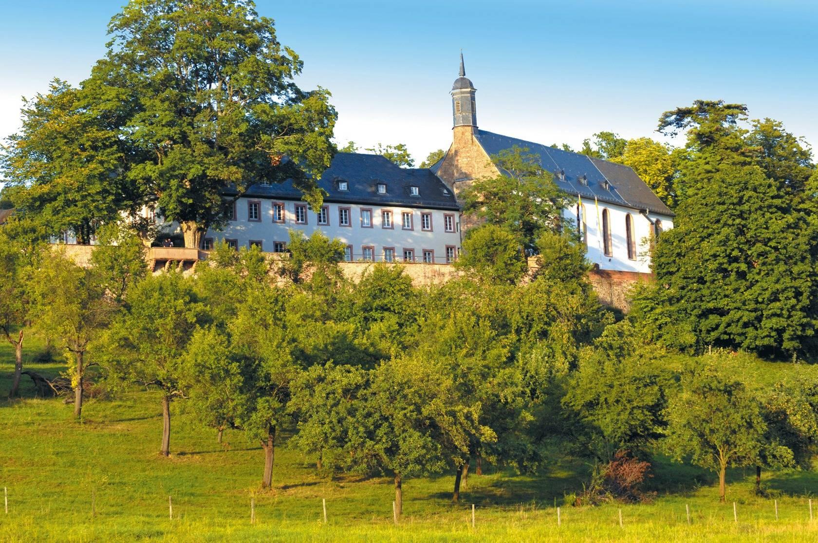 Bildergebnis für Stift Neuburg - kostenlose Fotos