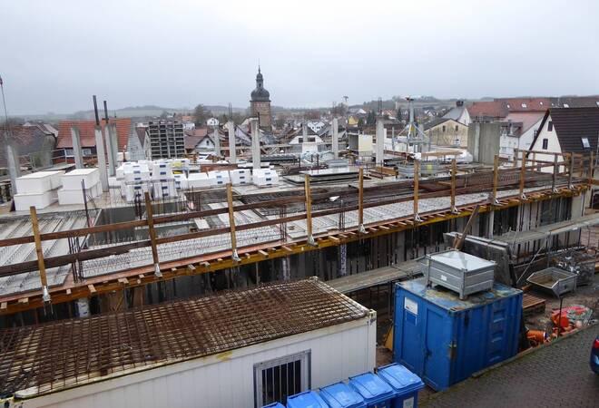 Der Neubau des Gesundheitszentrums in der Wilhelmstraße nimmt Konturen an.