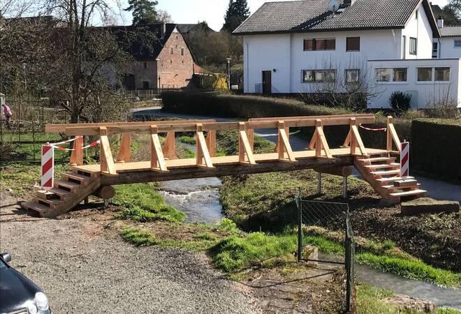 Holzbrücke zur Stadt als Zwischenlösung