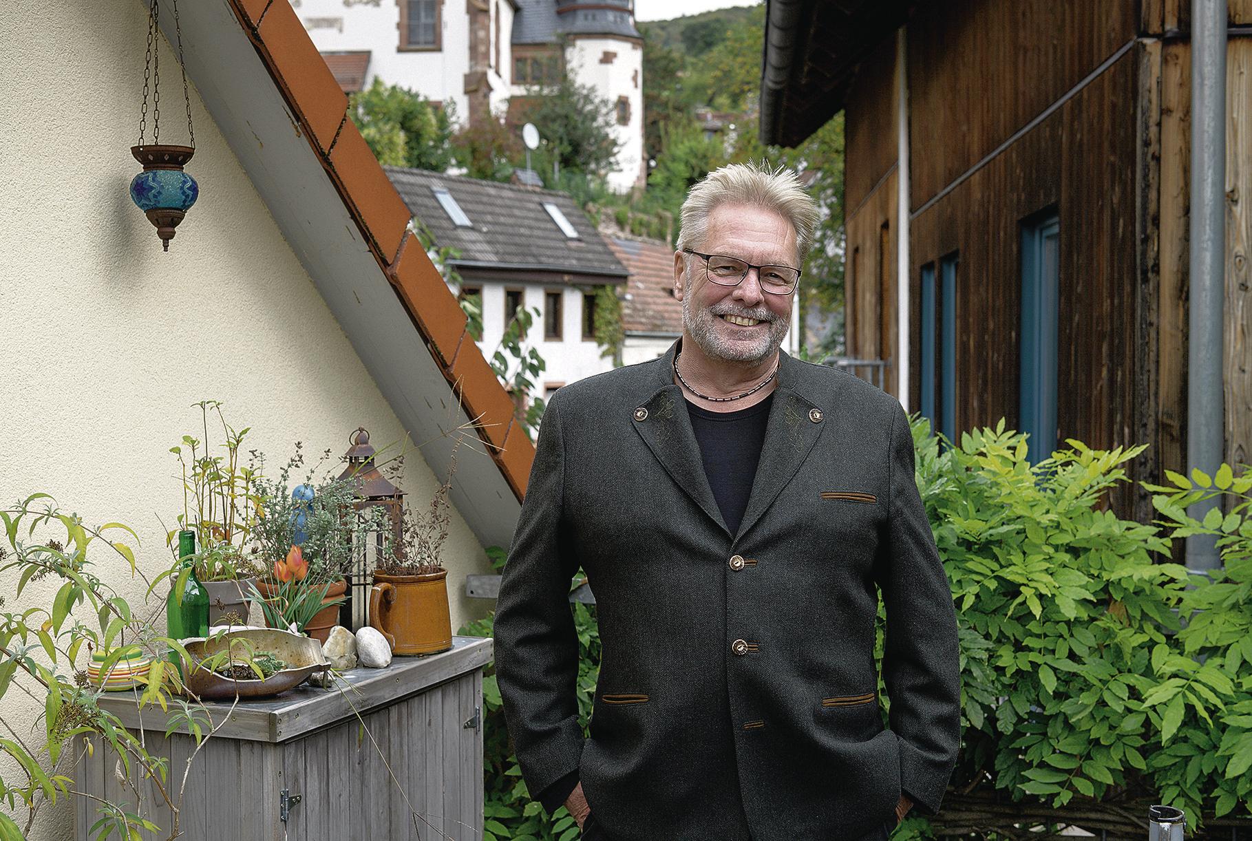 Heidelberg Rohrbach Hans Jurgen Fuchs Wird Als Vorsitzender Des Stadtteilvereins Verabschiedet Nachrichten Aus Heidelberg Rnz