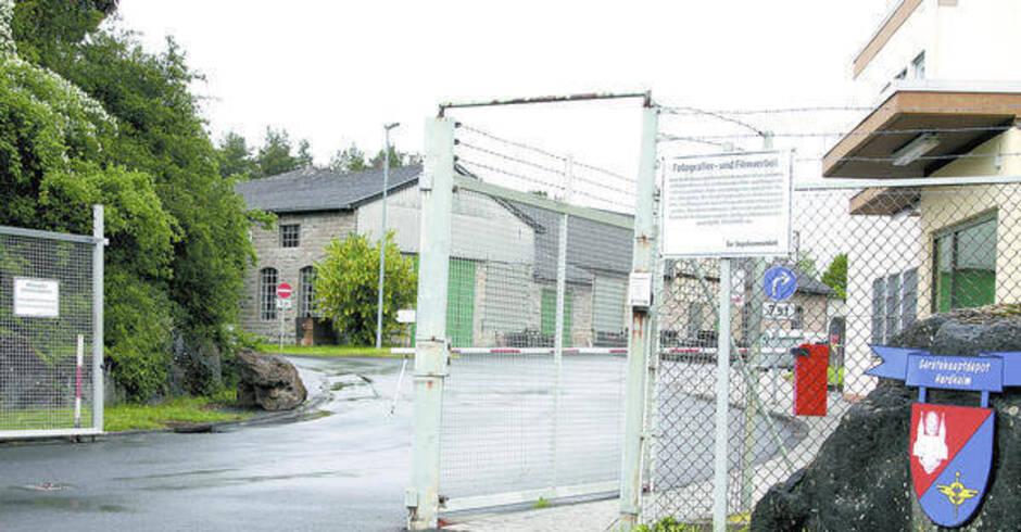 Hardheimer bundeswehr depot tor zum materiallager steht for Depot weinheim