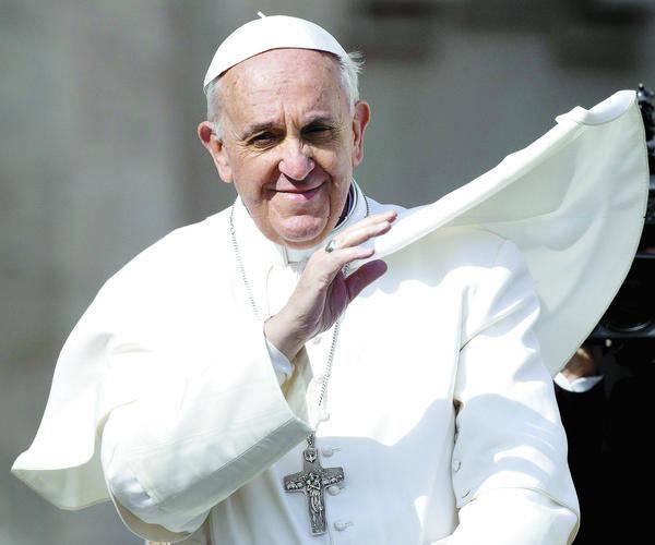 wir mssen uns doch daran gewhnen normal zu sein papst franziskus whrend einer generalaudienz foto claudio peri - Papst Franziskus Lebenslauf