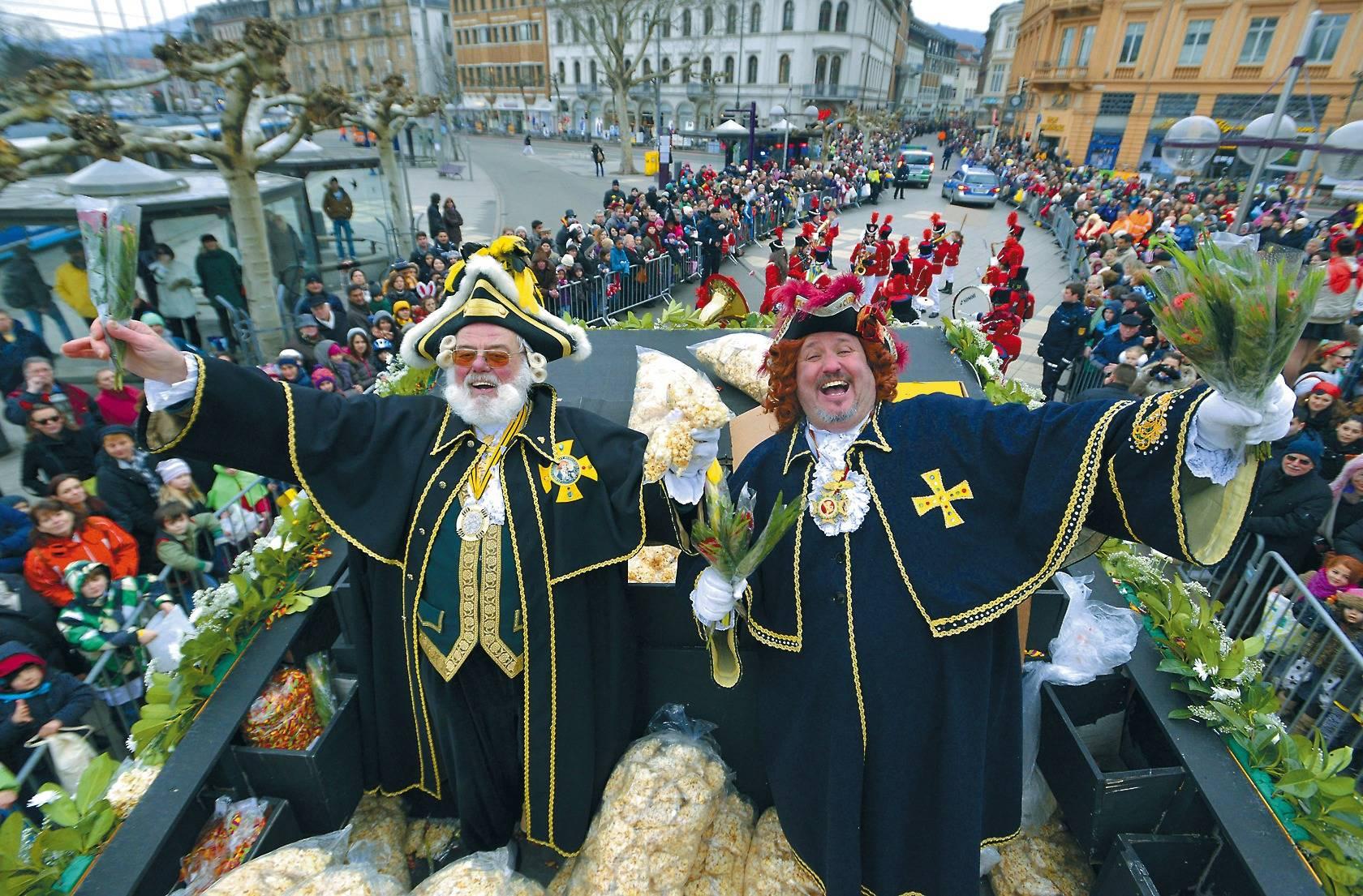 Heidelberg Hajo Grosser Umzug In Der Altstadt Am Dienstag