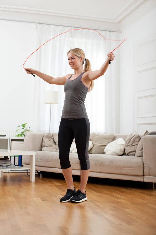 Sport zwischen Festtagsschmaus und Sofa Zu Hause