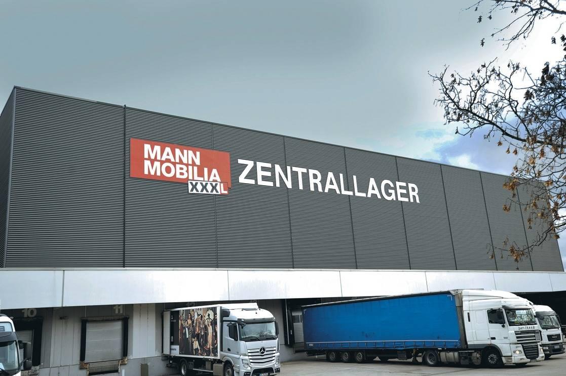Mann Mobilia mannheimer mitarbeiter wehren sich gegen xxxl mann mobilia