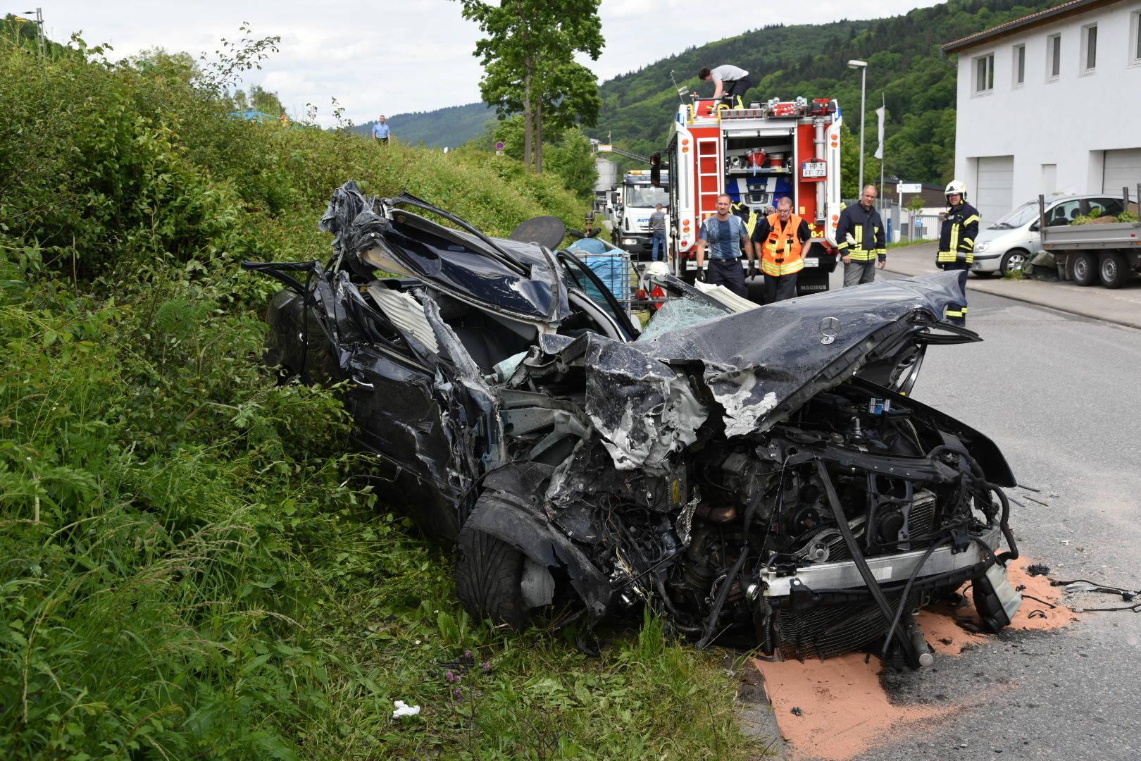 Neckarsteinach: Schwerer Unfall auf B 37 fordert ein Todesopfer ...