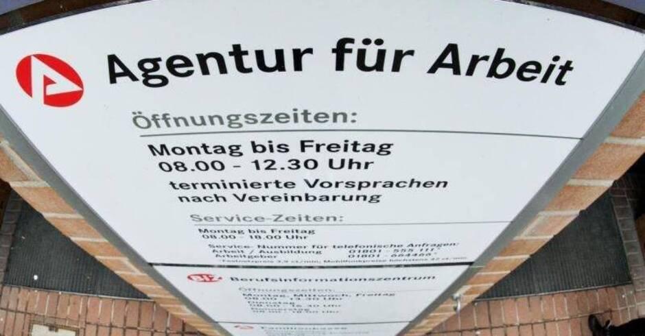 studie lange arbeitslosigkeit trifft in deutschland besonders ltere wirtschaft berregional. Black Bedroom Furniture Sets. Home Design Ideas