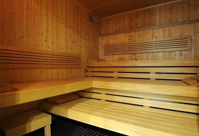 gericht hausbesitzer muss nackten nachbarn ertragen panorama rhein neckar zeitung. Black Bedroom Furniture Sets. Home Design Ideas