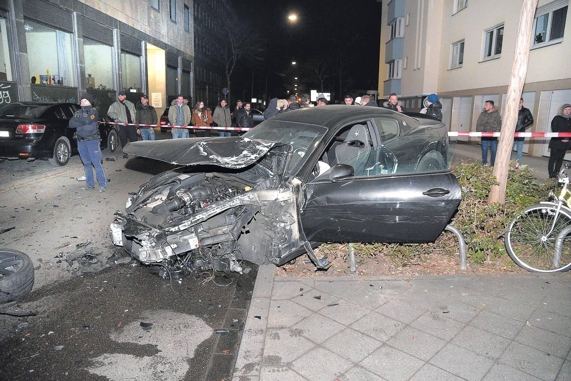 Autoposer in Mannheim: Maseratifahrer kommt mit Bewährungsstrafe ...