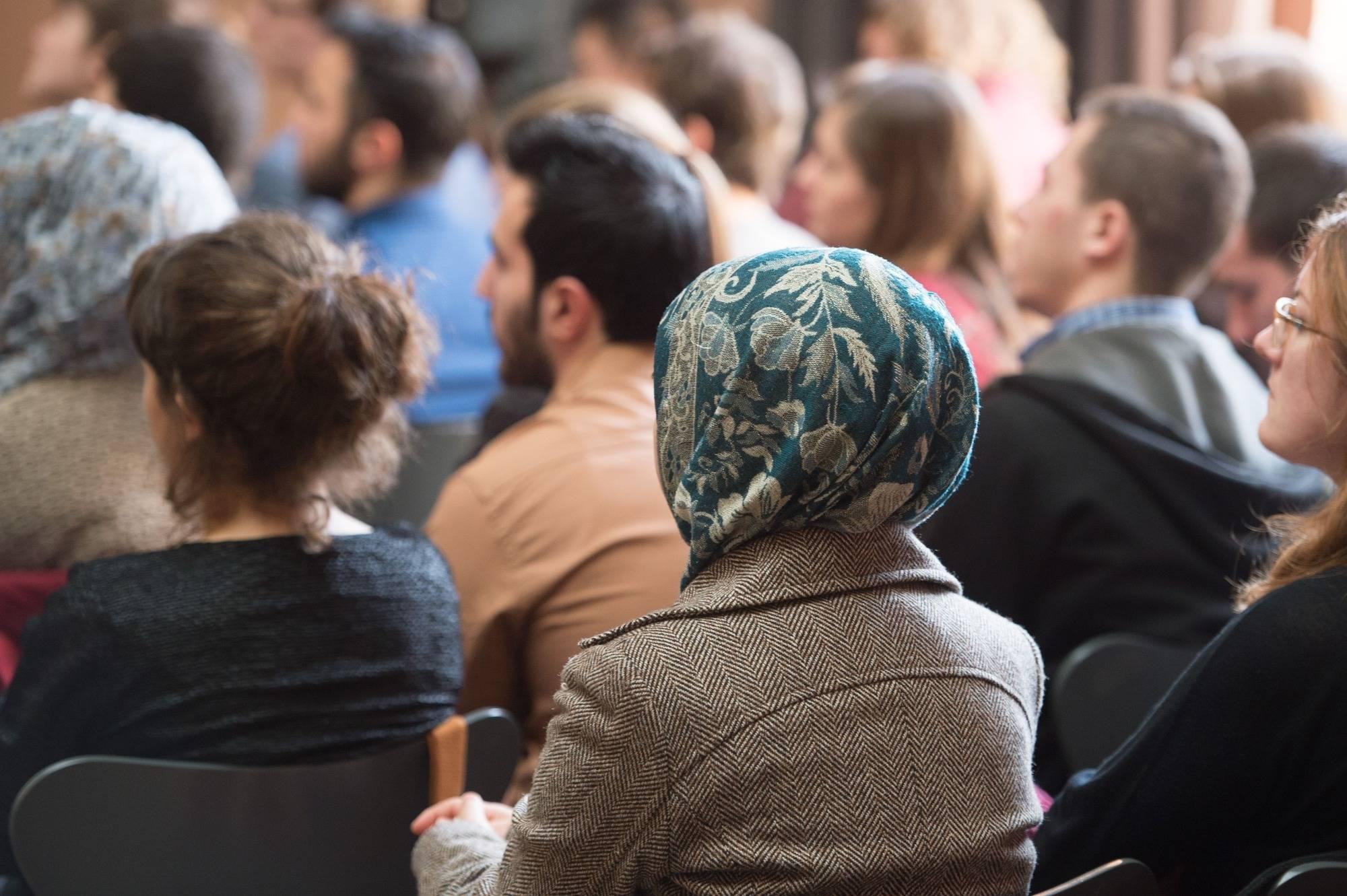 Schlechte Deutschkenntnisse gefährden Ausbildung von Flüchtlingen ...