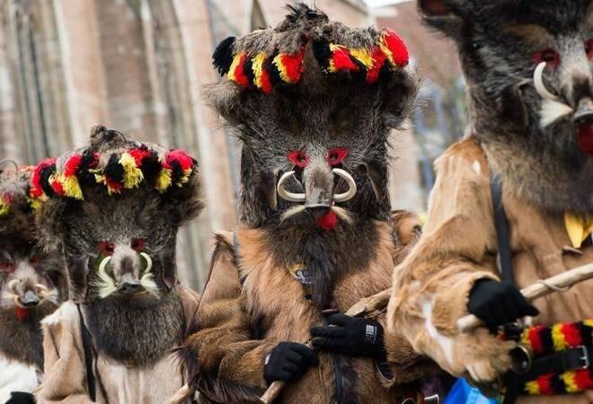 Größten Karnevalsumzüge