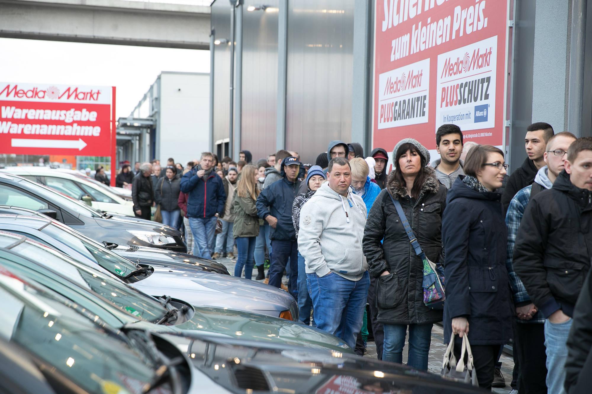 Als Die Massen Den Weinheimer Media Markt Stürmten Bergstraße