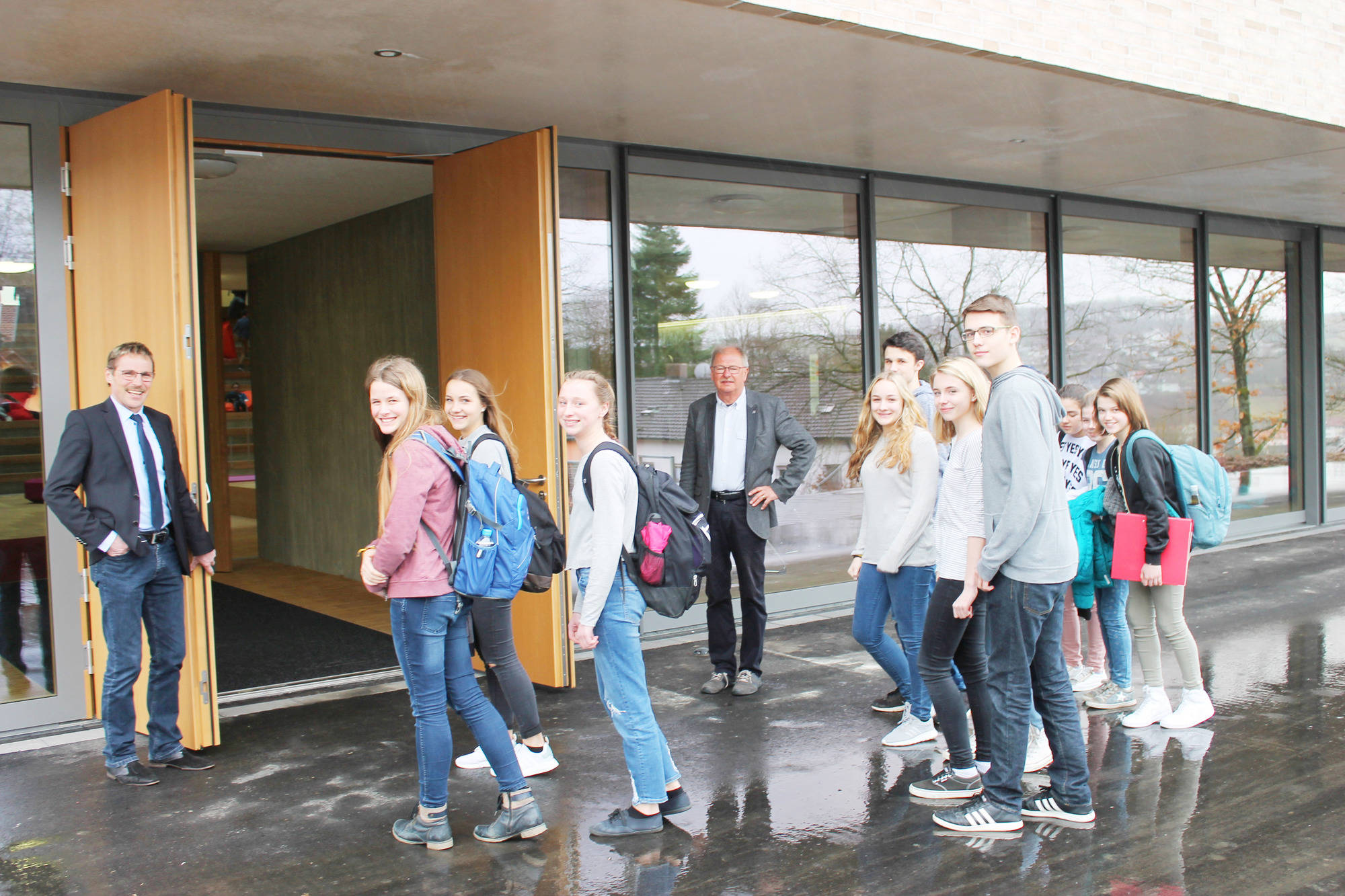 Erster Schultag in der neuen Realschule in Osterburken - Buchen ...