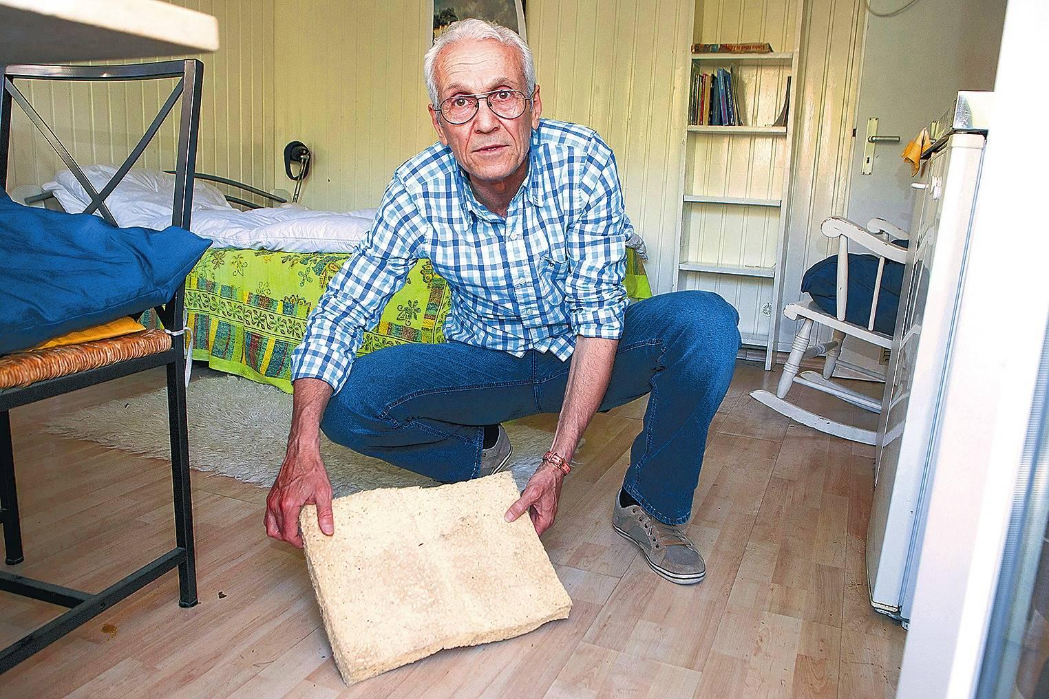wohnung nach starkregen unbewohnbar syrischer theaterregisseur ismail sucht neue bleibe in. Black Bedroom Furniture Sets. Home Design Ideas