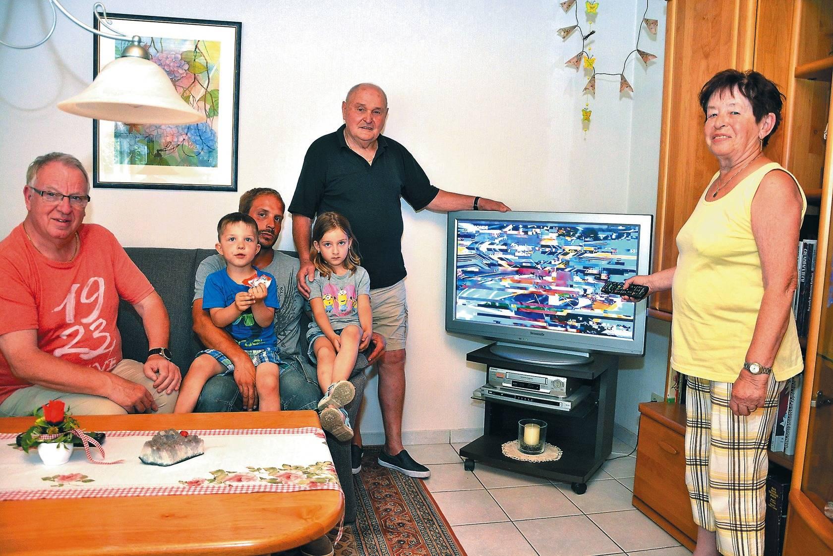Unitymedia-Kunden in Eppelheim : Kein Fernsehen, kein Internet, kein ...