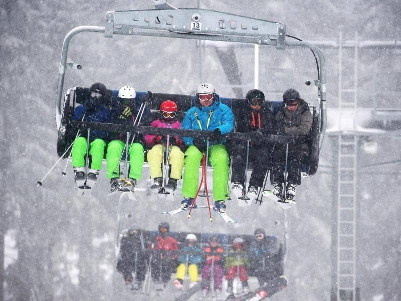 Kletterausrüstung Weil Am Rhein : Guter jahresstart: schneereicher winter hilft outdoor branche