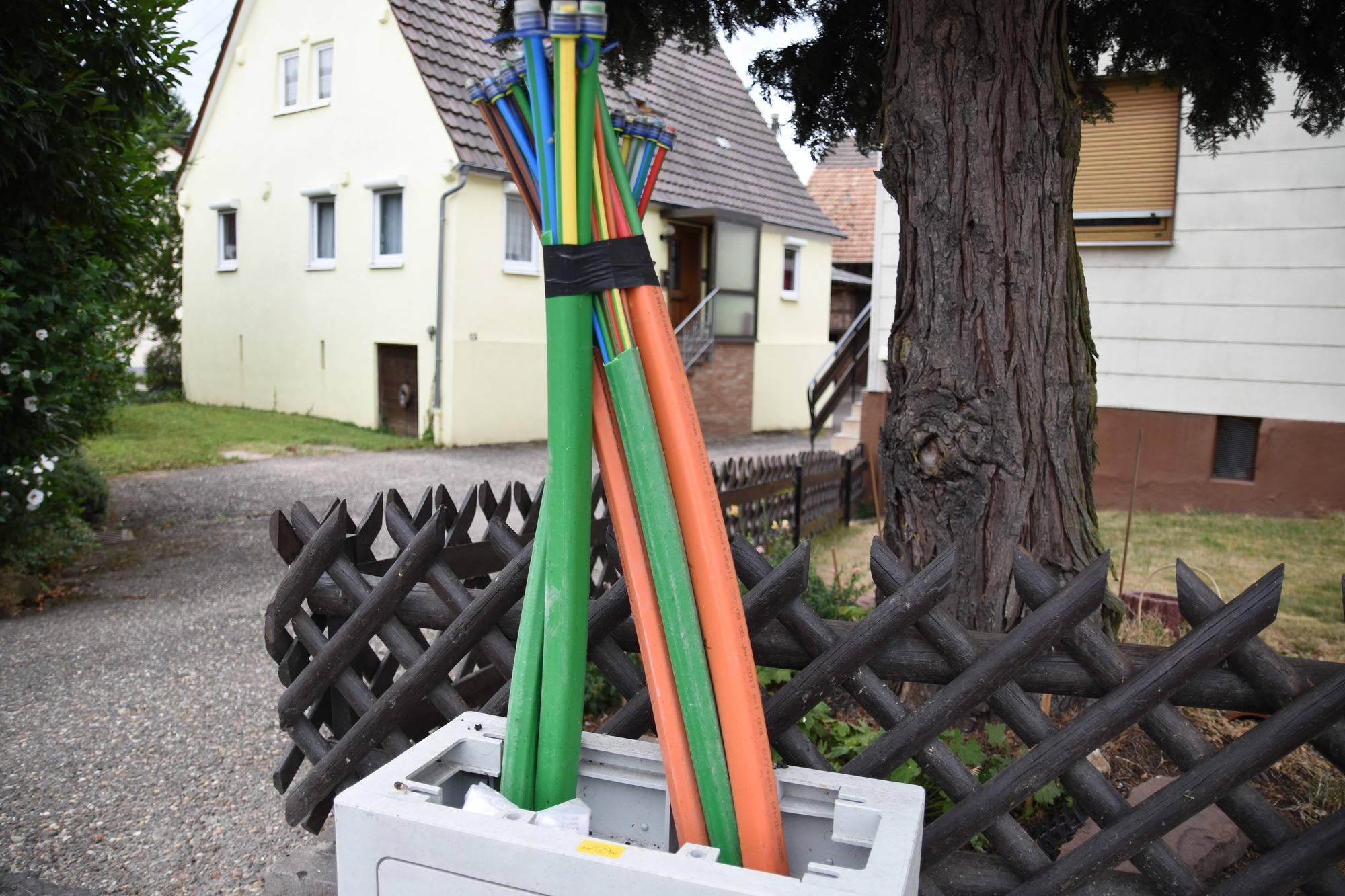 breitbandausbau in epfenbach mit den zwei gleisen auf dem holzweg epfenbach rhein neckar. Black Bedroom Furniture Sets. Home Design Ideas