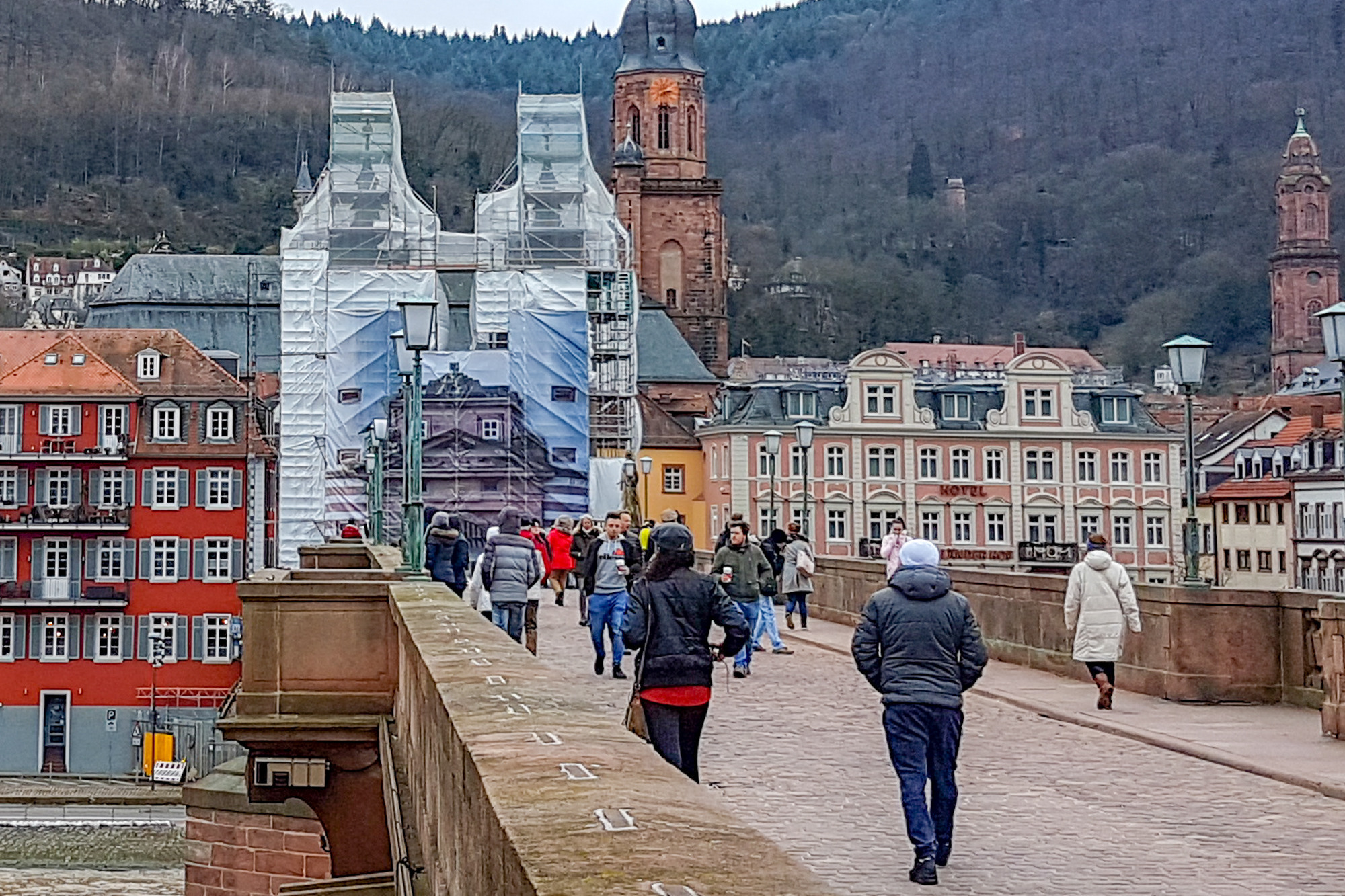 Alte Brucke Heidelberg Bruckentor Ab Dienstag Fur Autos Gesperrt Nachrichten Aus Heidelberg Rnz