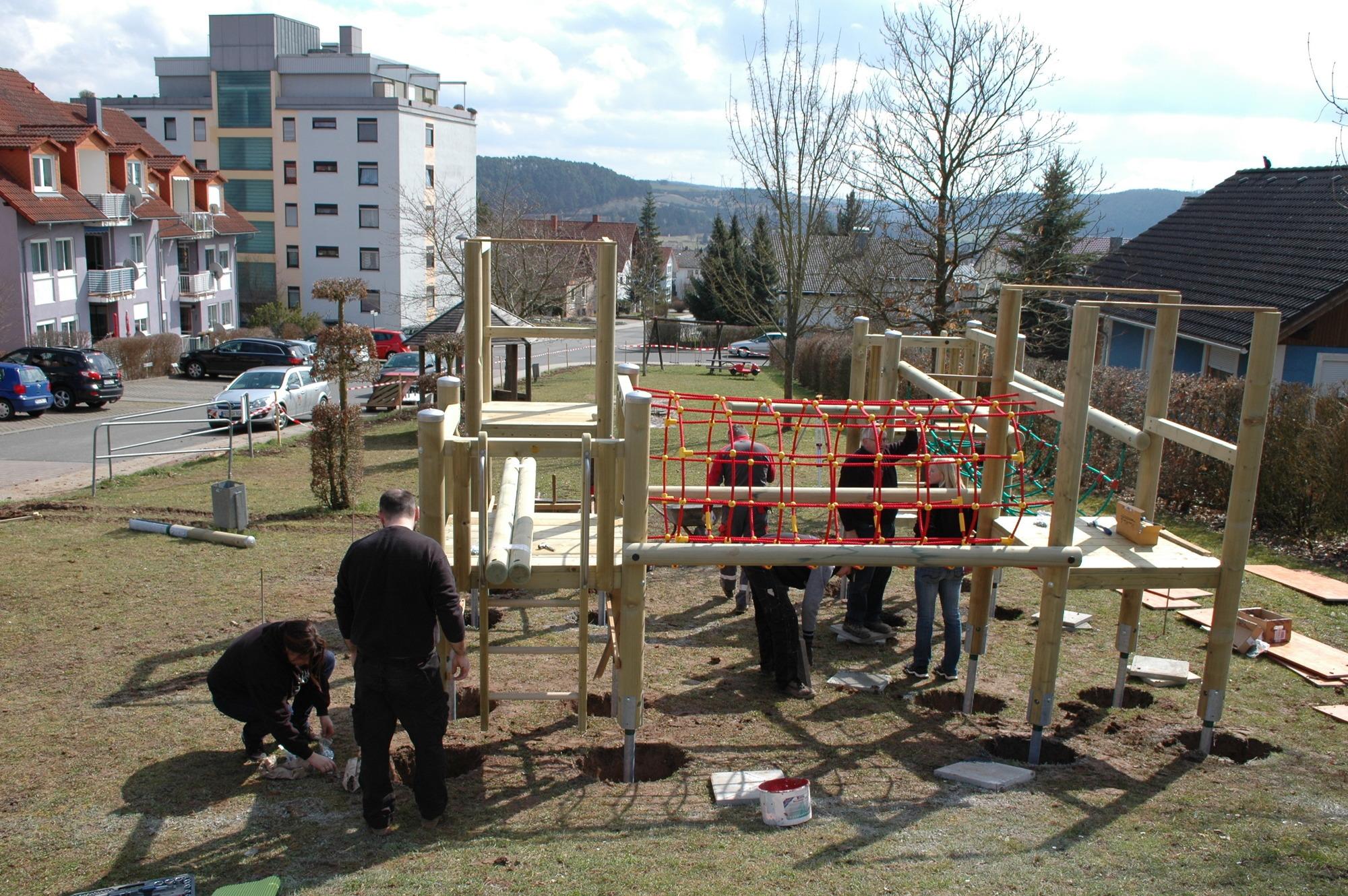hardheim: klingenweg-spielplatz nimmt gestalt an - buchen - rhein