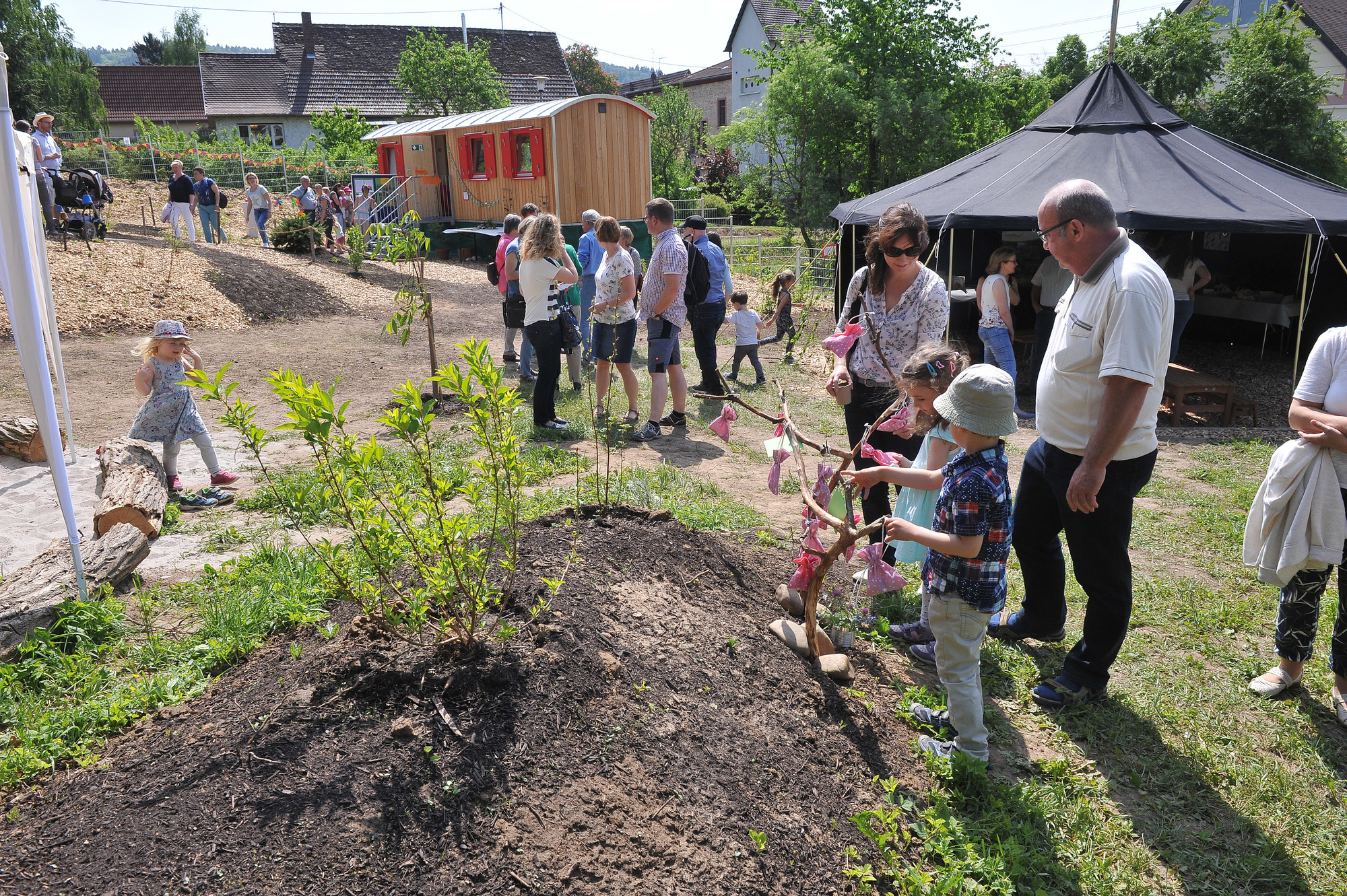 Hirschberg Grosssachsen Kindergarten Baumhaus Weihte Neue