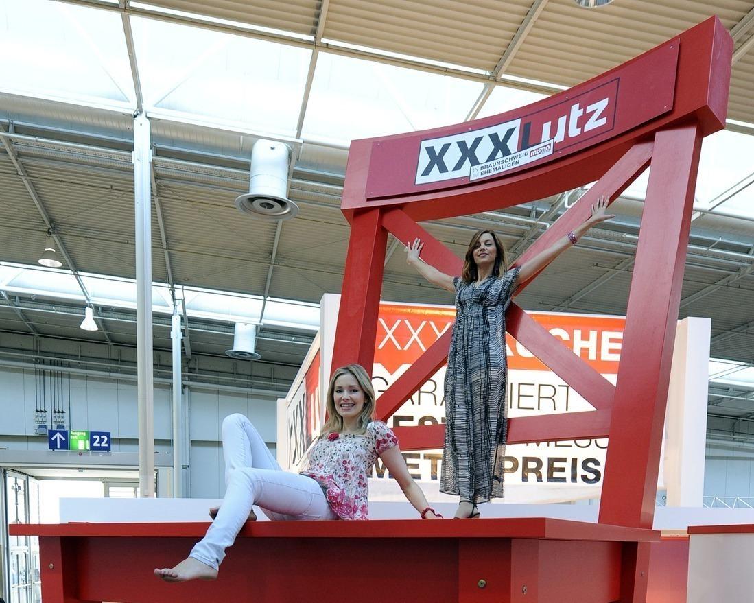 Möbelhändler Aus österreich Xxxlutz Expandiert In Deutschland