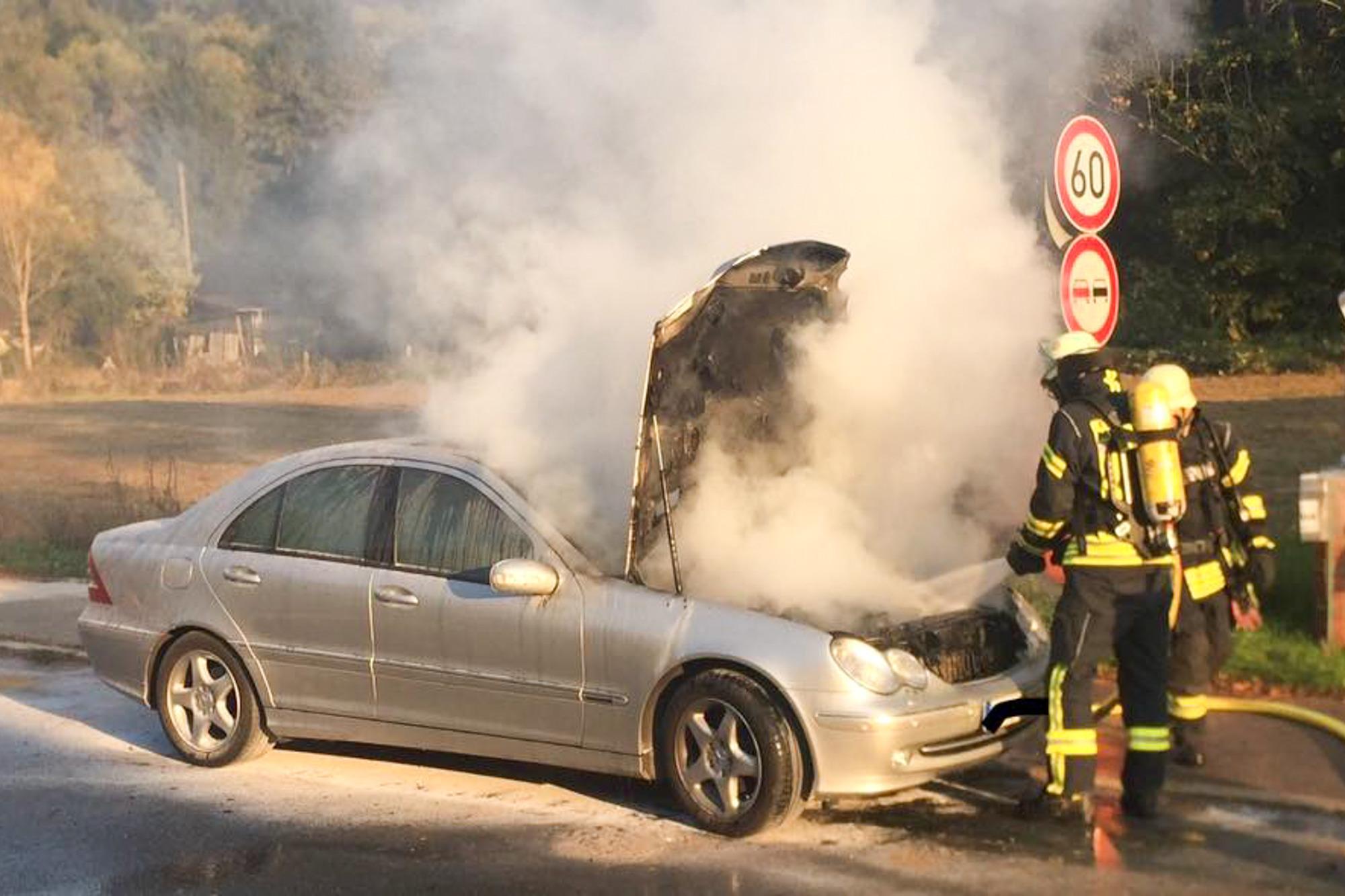Meckesheim Mercedes Ging In Flammen Auf Nachrichten