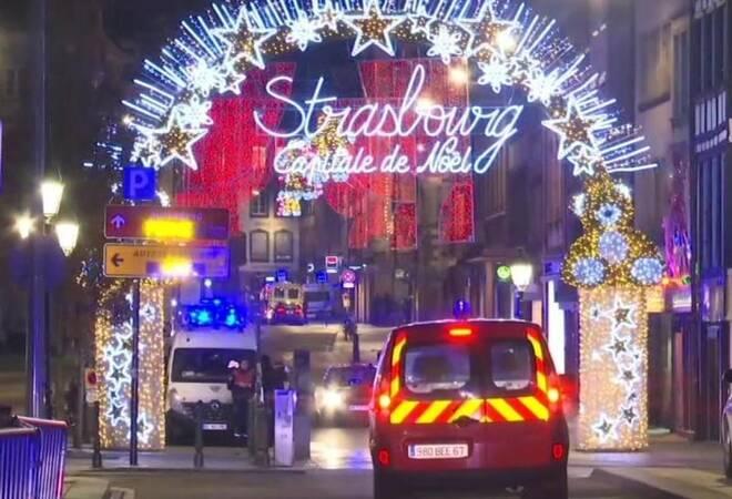Terroranschlag Detail: Täter Auf Der Flucht: Mehrere Tote Bei Terroranschlag In