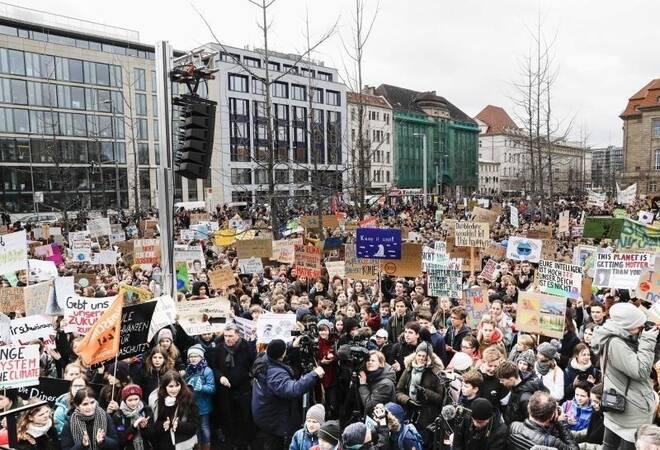 Zehntausende In Deutschland: Weltweit Schülerproteste Fürs