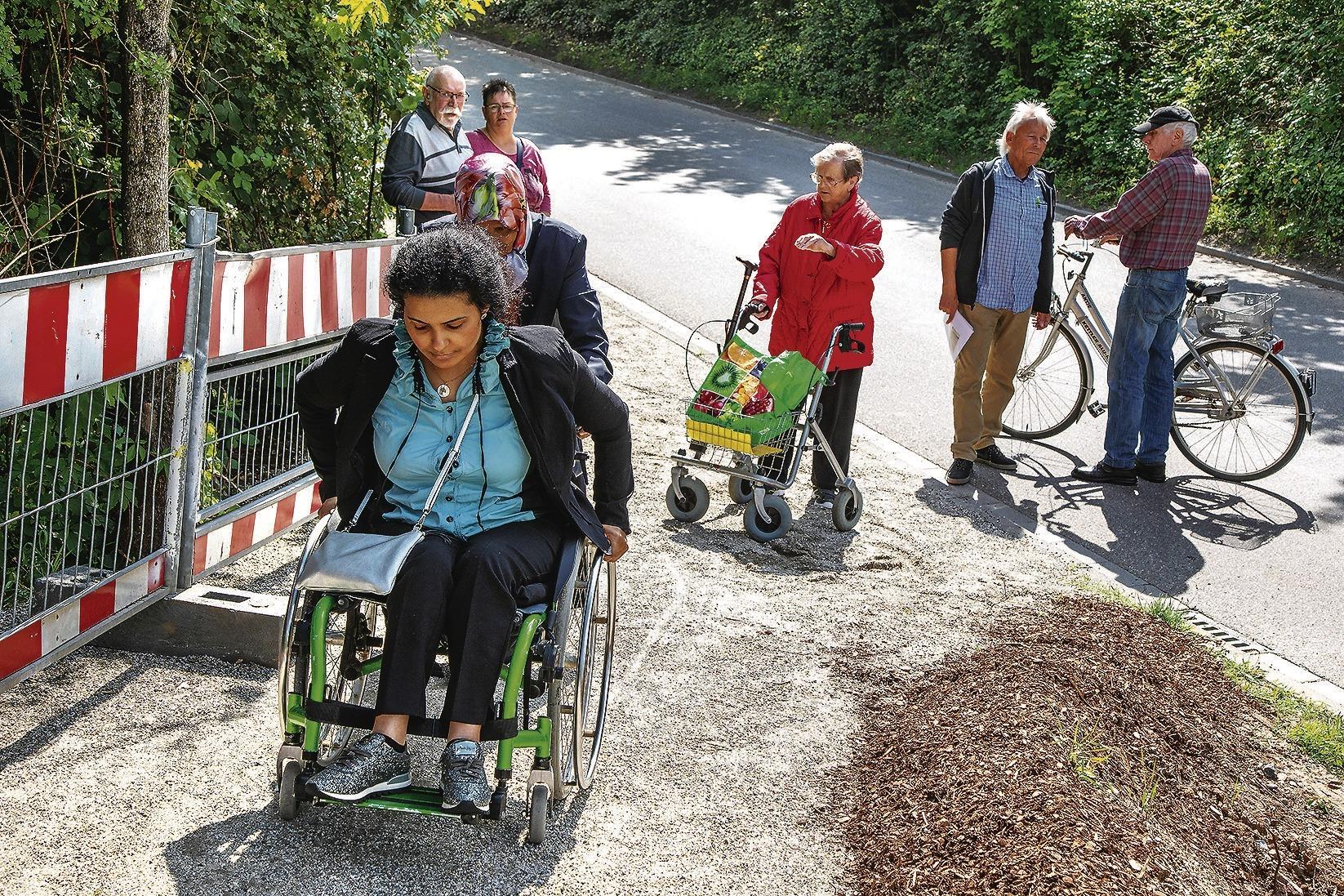 Edeka Zaun In Eppelheim Hartetest Mit Rollstuhl Und Rollator Nachrichten Region Heidelberg Rnz