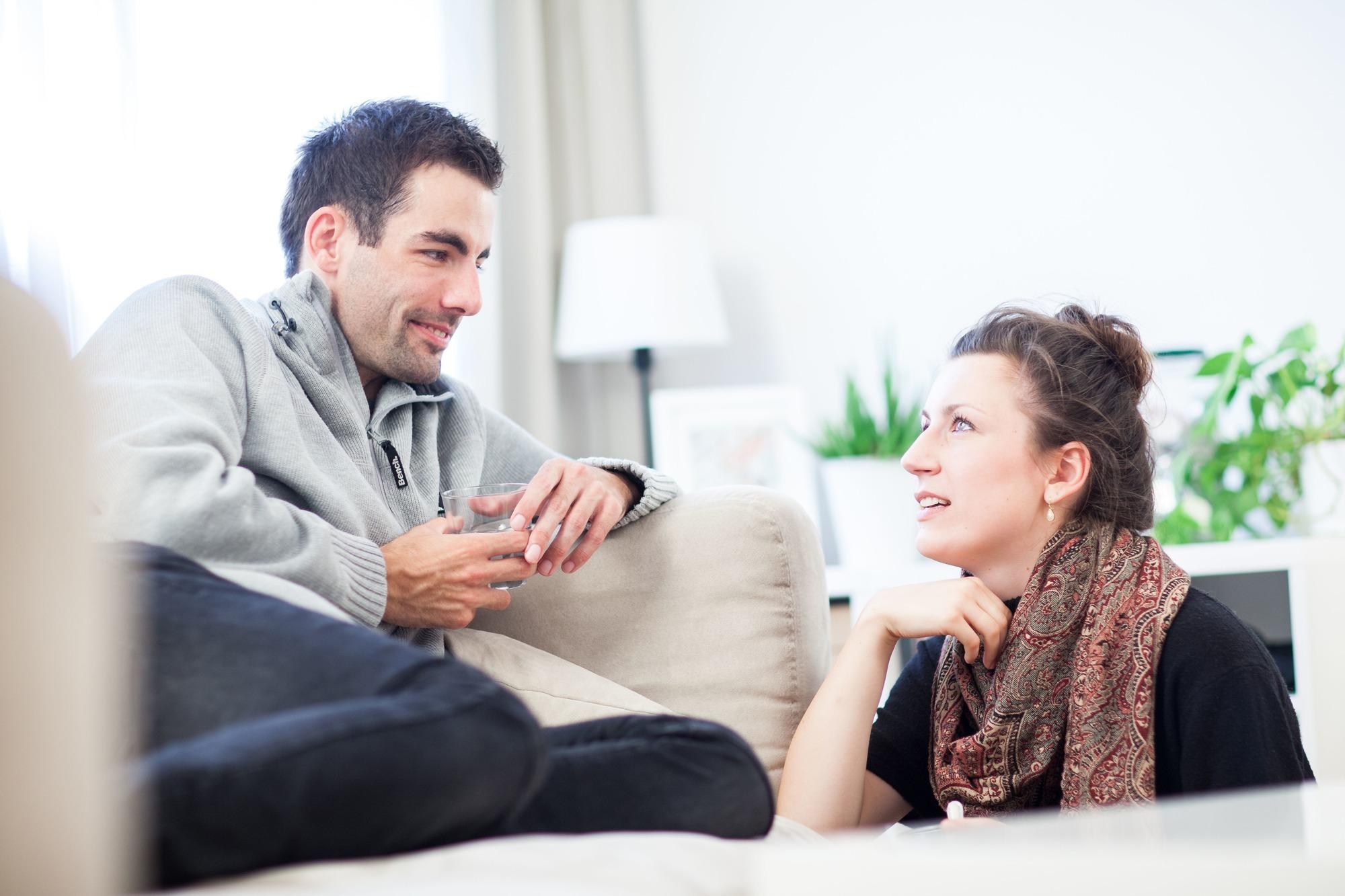 Andere beobachten Paare die Paare, Paare suchen