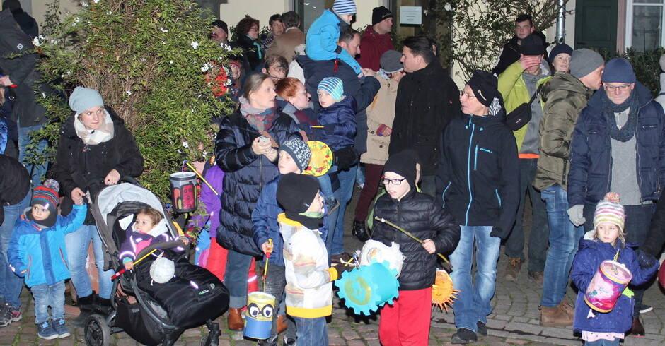 Ladenburg: 500 Teilnehmer beim 70. Martinszug der Kolpingsfamilie - Bergstraße - Rhein-Neckar Zeitung